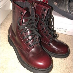 Shoes - Burgundy combat boots ! Can lower ! Need gone